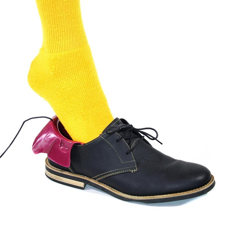 Foot-Funnel-Shoe-Assist