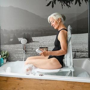 Bellavita Auto Bath Lift :: reclining tub chair